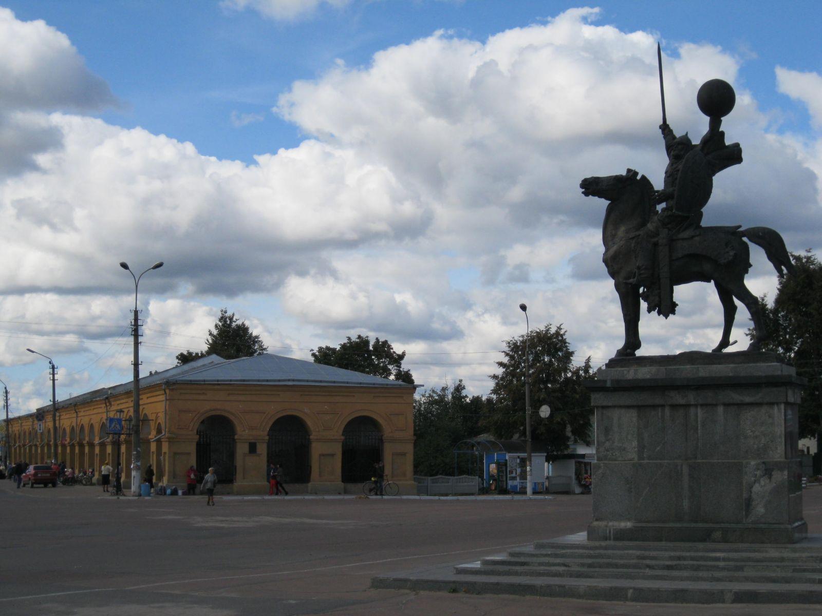 Новгород-Сіверський, центральна площа